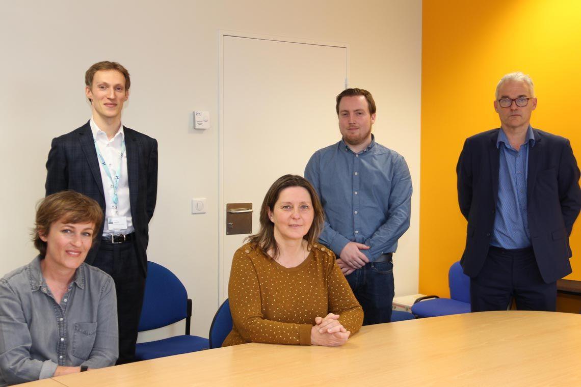 Yannick Heulot, Directeur de Ressources Humaines du Groupe Hospitalier Bretagne Sud (tout à droite de la photo) accompagné de son équipe.